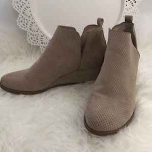 Dolce Vita wedge cutout ankle boots 7
